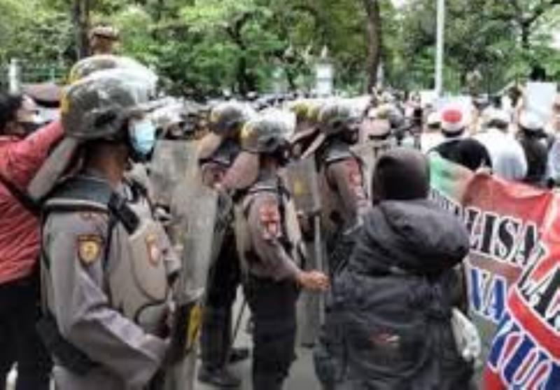 Diduga Bawa Sajam, Ratusan Massa Aksi 1812 Diamankan Polisi