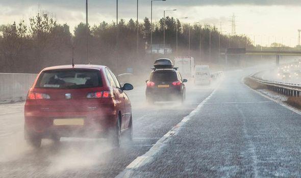 Lima Cara Cerdas Melindungi Mobil Sehabis Hujan Biar Tidak Karatan